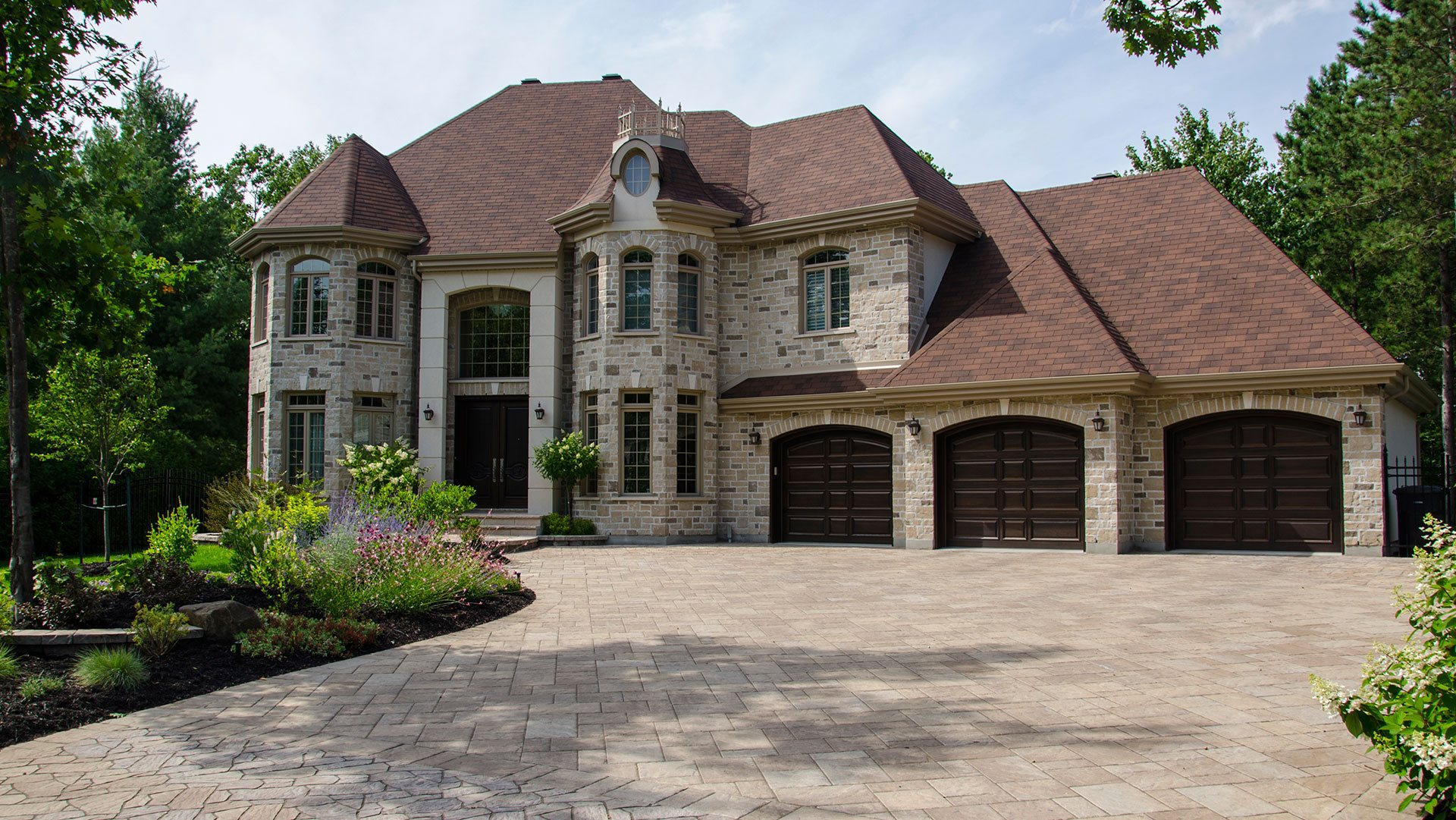Lawmar Contracting Custom Home Builder, Home Builder and Energy Efficient Home Builder
